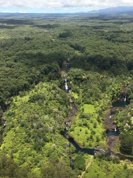 HELICOPTER TOUR ÜBER DEN WASSERFÄLLEN VON BIG ISLAND, HAWAII